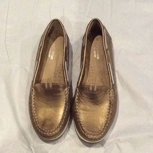 Naturalizer gold loafers - Size 9.5